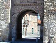 Arco de San Miguel y Murallas